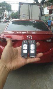 Làm chìa khoá xe hơi Mazda zin chính hãng