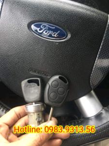 Làm chìa khóa xe Ford zin chính hãng